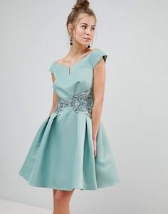 Платье для выпускного со спущенными плечами и вышивкой цвета металлик на талии Little Mistress - Зеленый