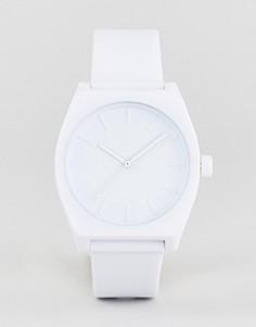 Часы с белым силиконовым ремешком Adidas Z10 Process - Белый