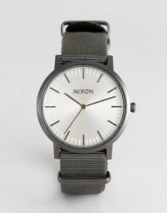 Часы с зеленым парусиновым ремешком Nixon A1059 - Зеленый