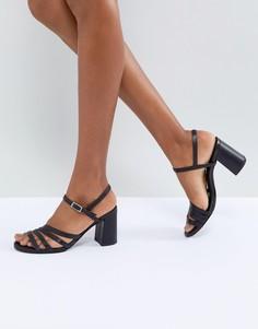 Кожаные босоножки на каблуке с ремешками Vagabond Cherie - Черный