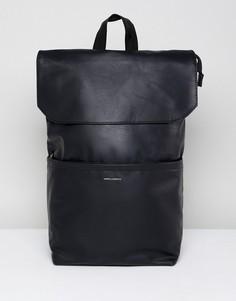 Черный рюкзак из искусственной кожи с откидным клапаном ASOS DESIGN - Черный