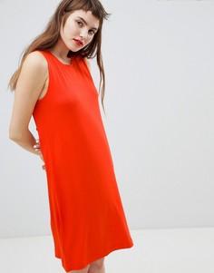 Трикотажное платье-футболка мини без рукавов Monki - Красный