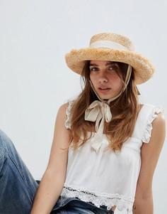Соломенная шляпа с необработанным краем и завязкой на подбородке ASOS DESIGN - Бежевый