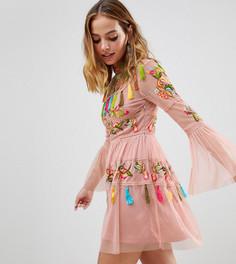 Короткое приталенное платье с вышивкой и кисточками Frock And Frill Petite - Розовый