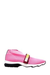 Розовые кроссовки из текстиля Fendi