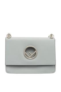 Серая сумка с серебристым логотипом Kan I Fendi