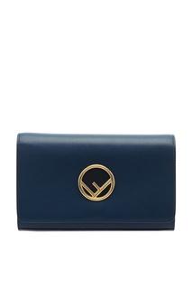 Синяя сумка с золотистым логотипом Fendi