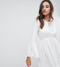 Свободное платье с кружевными вставками Boohoo - Белый