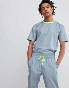 Свободная серая футболка в клеточку ASOS DESIGN - Серый