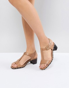 Бежевые кожаные босоножки на каблуке с заклепками Dune - Бежевый