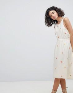 Платье с глубоким вырезом на спине и вышивкой Intropia - Кремовый