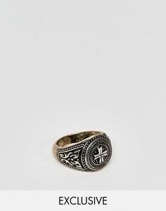 Кольцо-печатка с гравировкой креста Reclaimed Vintage эксклюзивно для ASOS - Серебряный