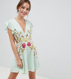 Приталенное платье мини с вышивкой и вырезами по бокам ASOS DESIGN Petite - Мульти