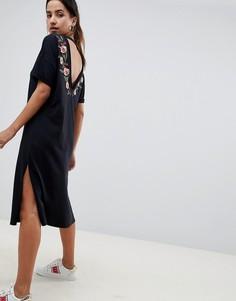 Платье-футболка миди с вышивкой ASOS DESIGN - Черный