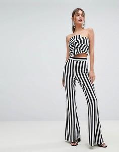 Расклешенные брюки в полоску Boohoo - Мульти