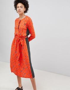 Чайное платье миди с винтажным принтом Moss Copenhagen - Оранжевый