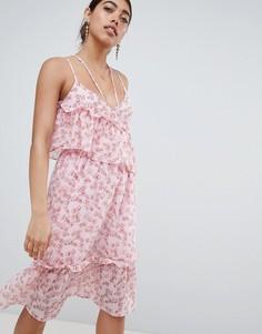 Асимметричное платье миди с цветочным принтом и оборками Lost Ink - Мульти