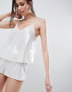 Пижама из топа и шортов с металлизированной отделкой ASOS DESIGN - Серебряный