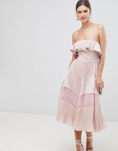 Платье без рукавов с оборками, плиссированной юбкой и кружевной вставкой True Decadence - Розовый