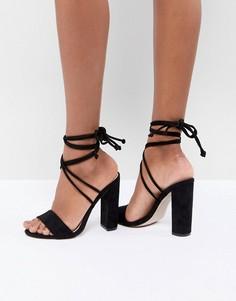 Черные босоножки на блочном каблуке с завязкой Public Desire Suzu - Черный