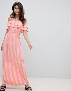 Платье макси в полоску с широким вырезом PrettyLittleThing - Розовый