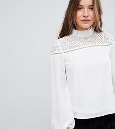 Блузка с высоким воротником и кружевной вставкой Fashion Union Petite - Кремовый