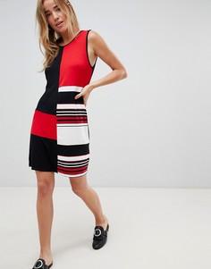Свободное платье колор блок QED London - Красный