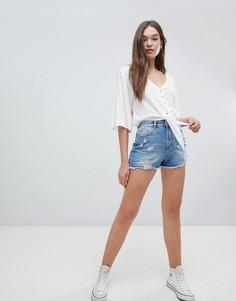 Джинсовые шорты в винтажном стиле с необработанными краями Pimkie - Синий