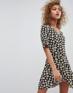 Свободное платье с цветочным принтом Monki - Черный