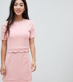 Платье мини с кроп-топом и фигурным краем ASOS DESIGN Petite - Розовый