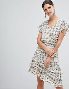 Короткое приталенное платье Y.A.S Sachecky - Кремовый