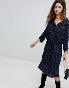 Платье-рубашка с поясом и присборенными рукавами Soaked In Luxury - Синий