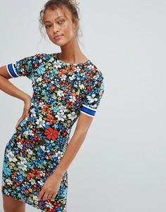 Платье с цветочным принтом и отделкой лентой на рукавах Daisy Street - Мульти