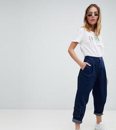 Суженные книзу джинсы цвета индиго с карманами в стиле милитари ASOS DESIGN Petite - Синий