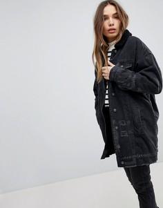 Длинная джинсовая куртка с меховым воротником Pull&Bear - Черный Pull&Bear