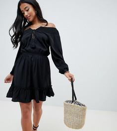 Короткое приталенное платье с открытыми плечами и кисточкой Boohoo Petite - Черный
