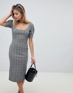 Платье-футляр в клетку с овальным вырезом ASOS DESIGN - Мульти