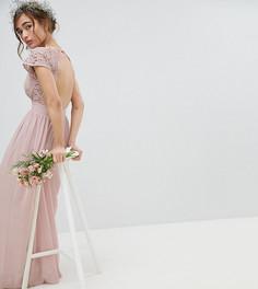 Платье макси с открытой спиной и фигурной кружевной отделкой TFNC Petite - Коричневый