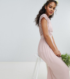 Платье макси с открытой спиной и фигурной кружевной отделкой TFNC Tall - Коричневый