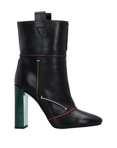 Полусапоги и высокие ботинки Fendi