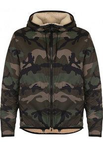 Куртка на молнии с камуфляжным принтом и меховой подстежкой Valentino