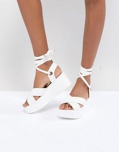Белые сандалии на платформе с завязками RAID Alma - Белый