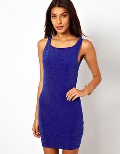 Платье мини с драпированной спиной из блестящего трикотажа Lipsy - Синий