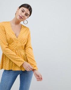 Блузка в горошек с баской PrettyLittleThing - Желтый