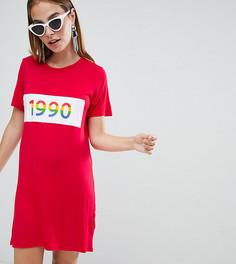 Платье-футболка с разноцветной надписью 1990 Boohoo Petite - Красный