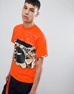 Оранжевая футболка с камуфляжной вставкой AAPE By A Bathing Ape - Оранжевый
