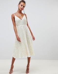 Платье миди с пышной юбкой и отделкой пайетками ASOS DESIGN - Кремовый