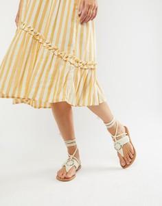 Сандалии с декоративными кольцами и завязками ASOS DESIGN Fletcher - Кремовый