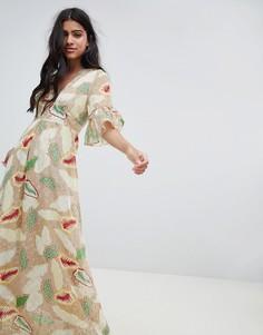 Платье макси с оборкой и принтом пейсли Glamorous - Мульти