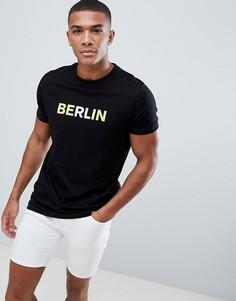 Футболка с надписью Berlin ASOS DESIGN - Черный